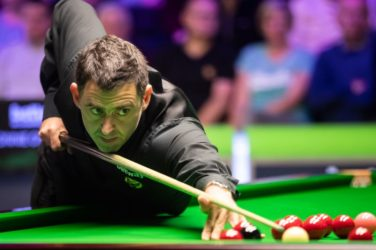 Ronnie O'Sullivan over a red. Snooker betting.